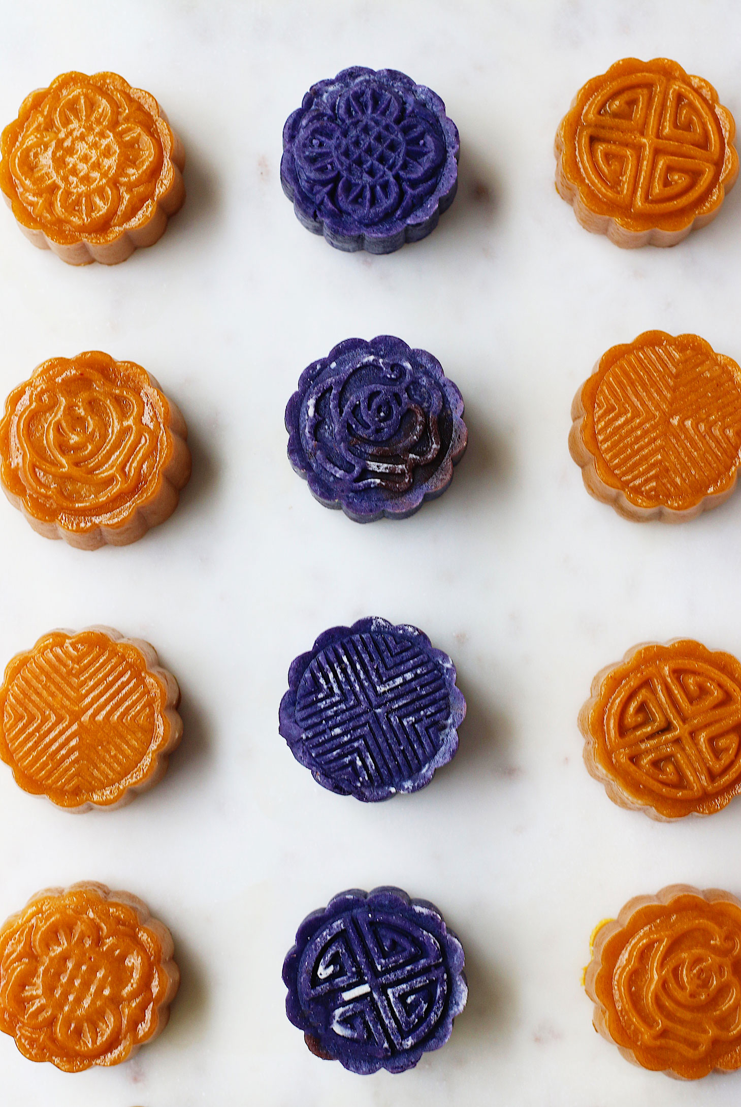 unconventional-pumpkin-&-purple-yam-mooncake-mixed