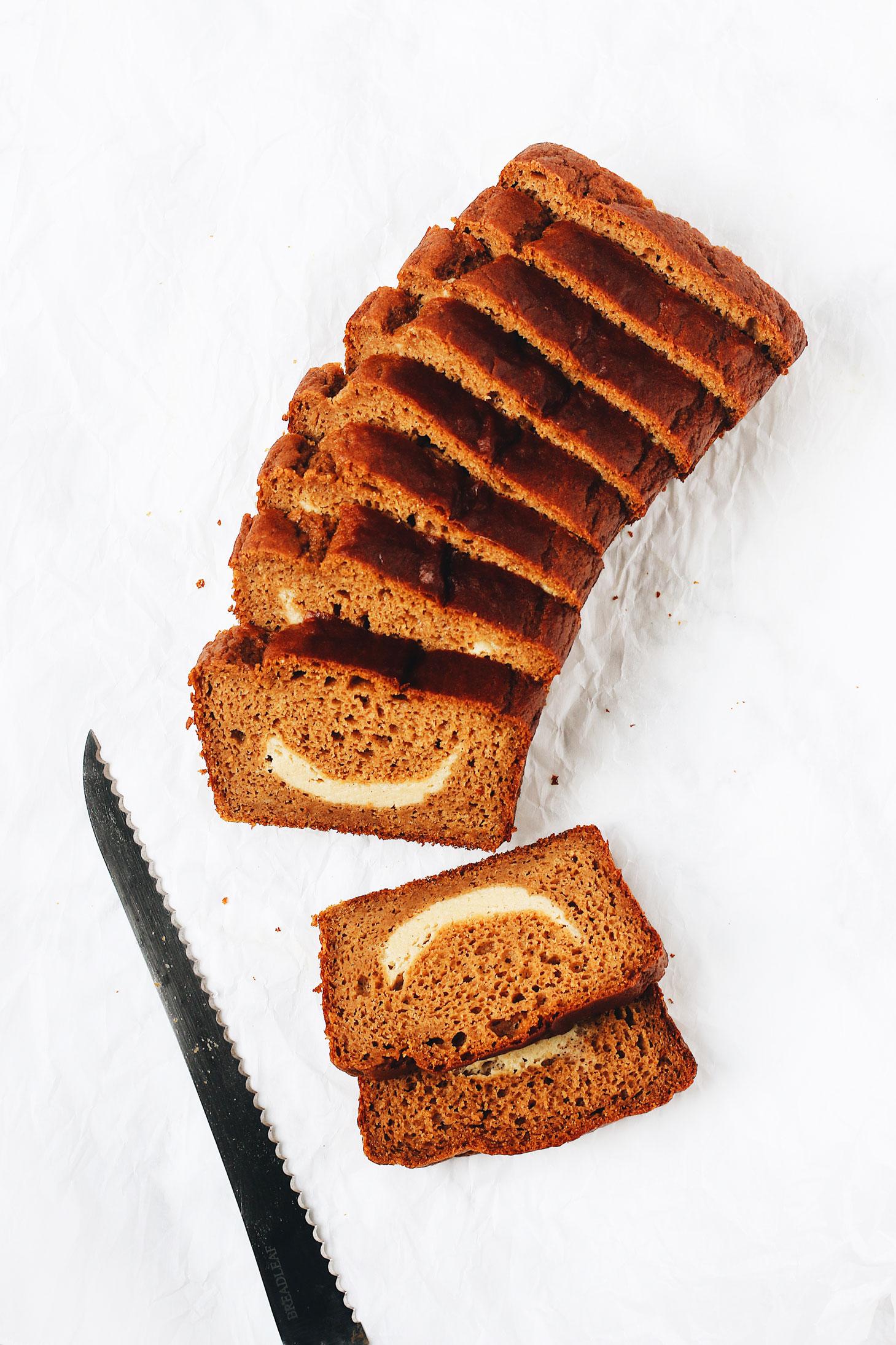 Pumpkin-Spice-Bread-with-Cream-Cheese-Swirl-slice