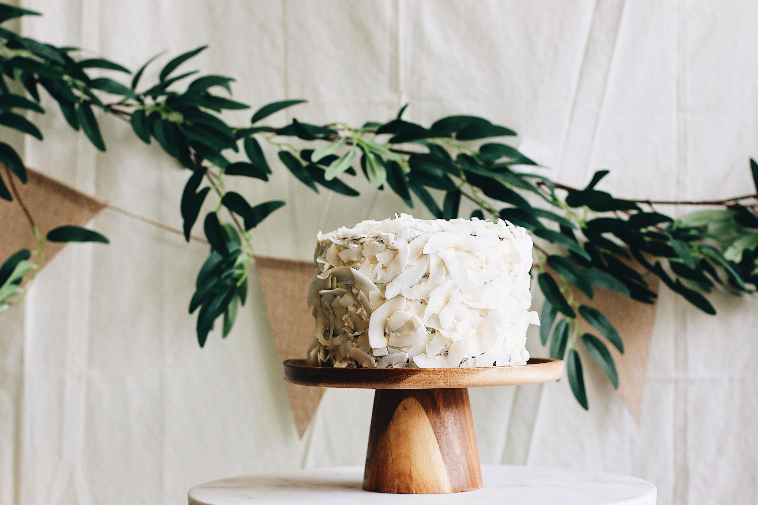herbakinglab-little-croissant-first-birthday-DIY-cake-smash-photo-5