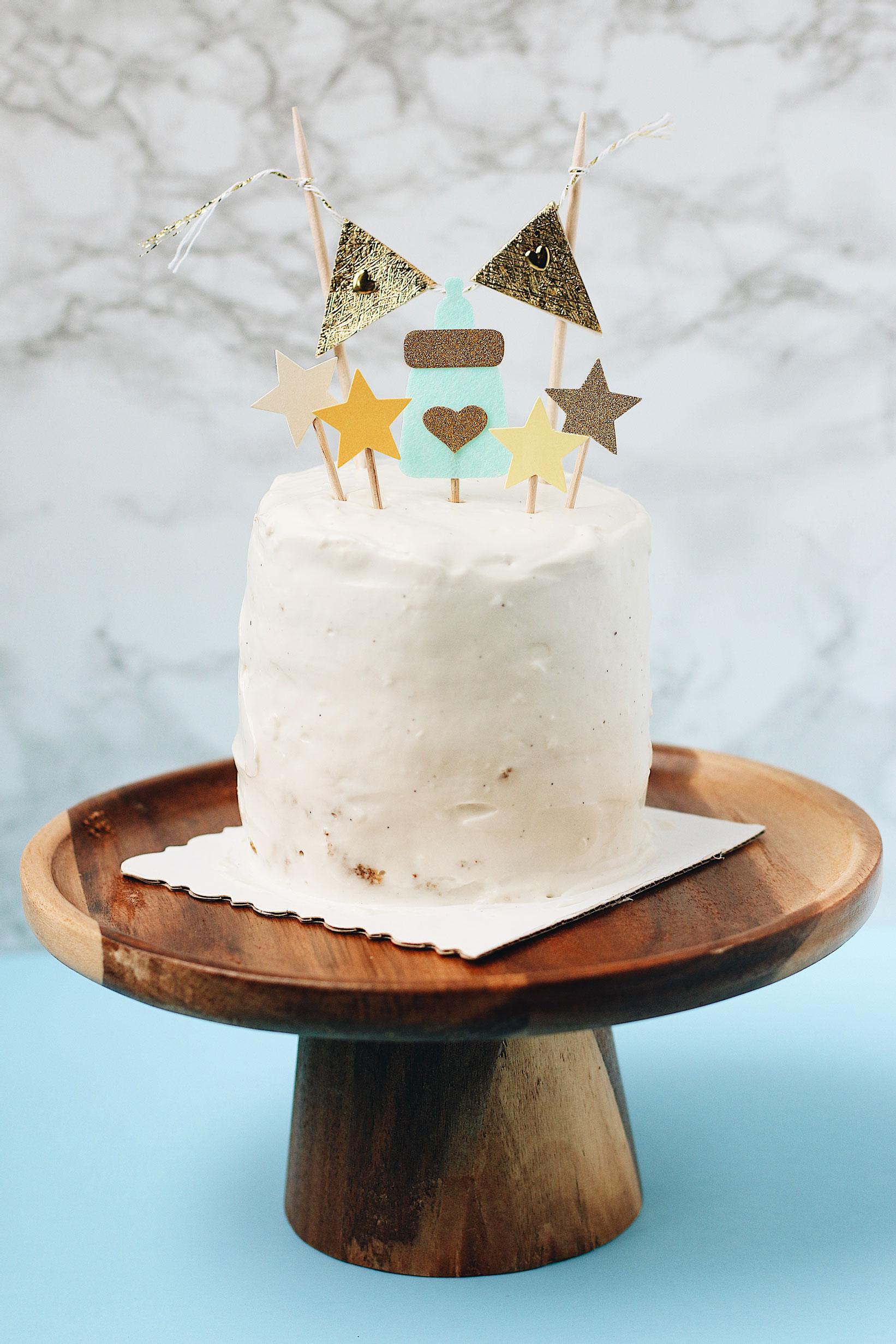 herbakinglab-little-croissant-first-birthday-DIY-cake-smash-photo-banana