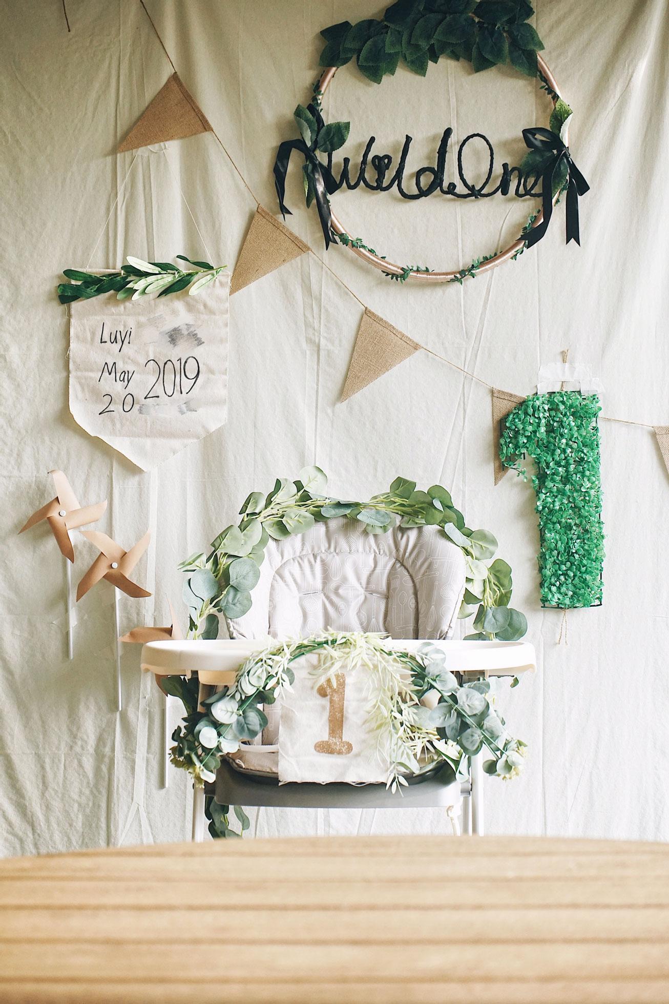 herbakinglab-little-croissant-first-birthday-DIY-cake-smash-photo-set-up