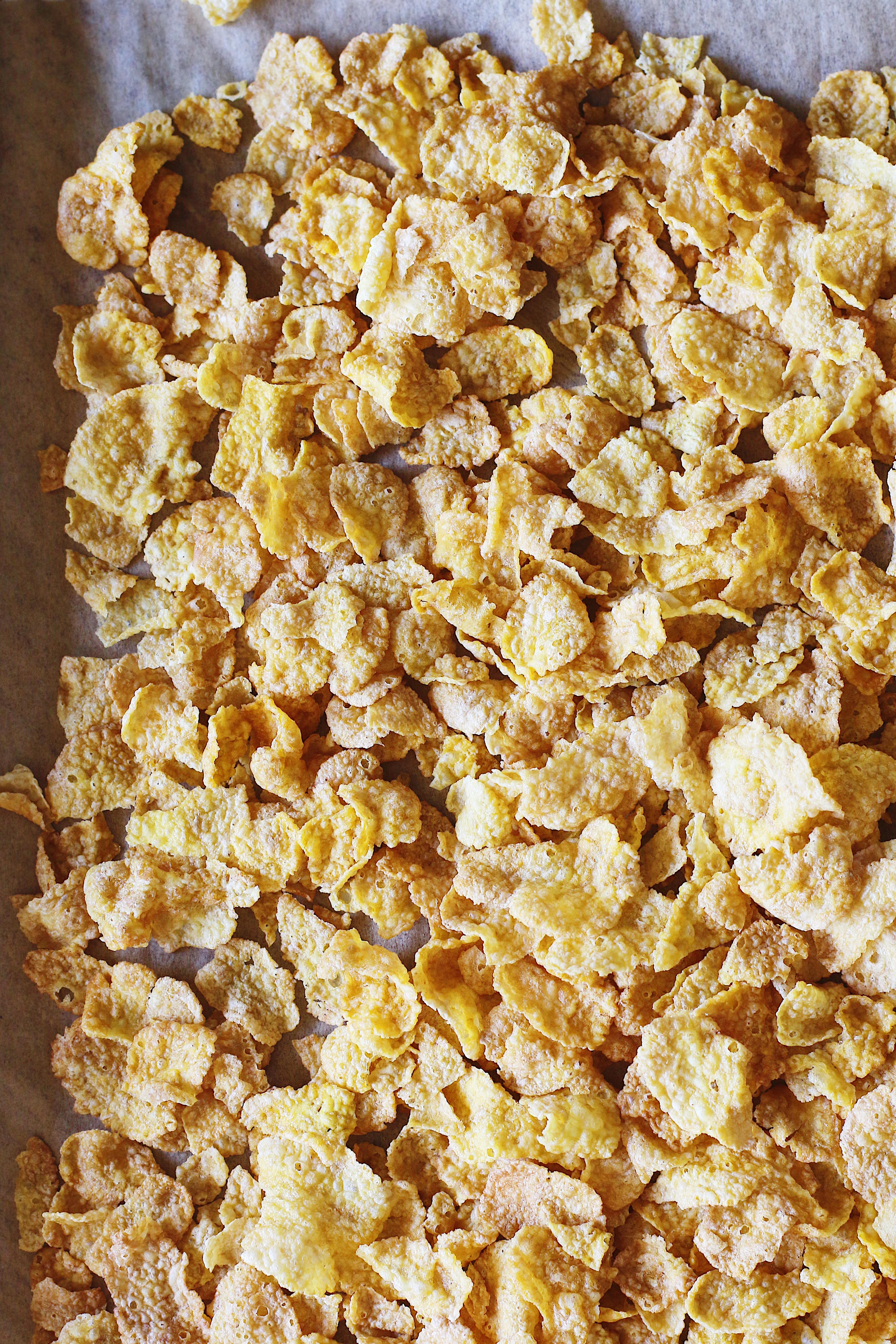 momofuku-milk-bar-cookbook-cereal-milk-cornflakes