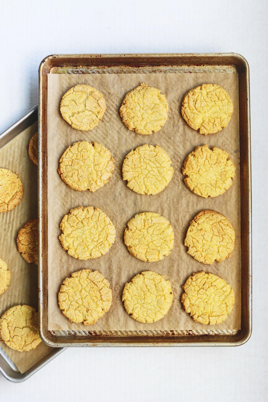 momofuku-corn-cookie-on-baking-sheet