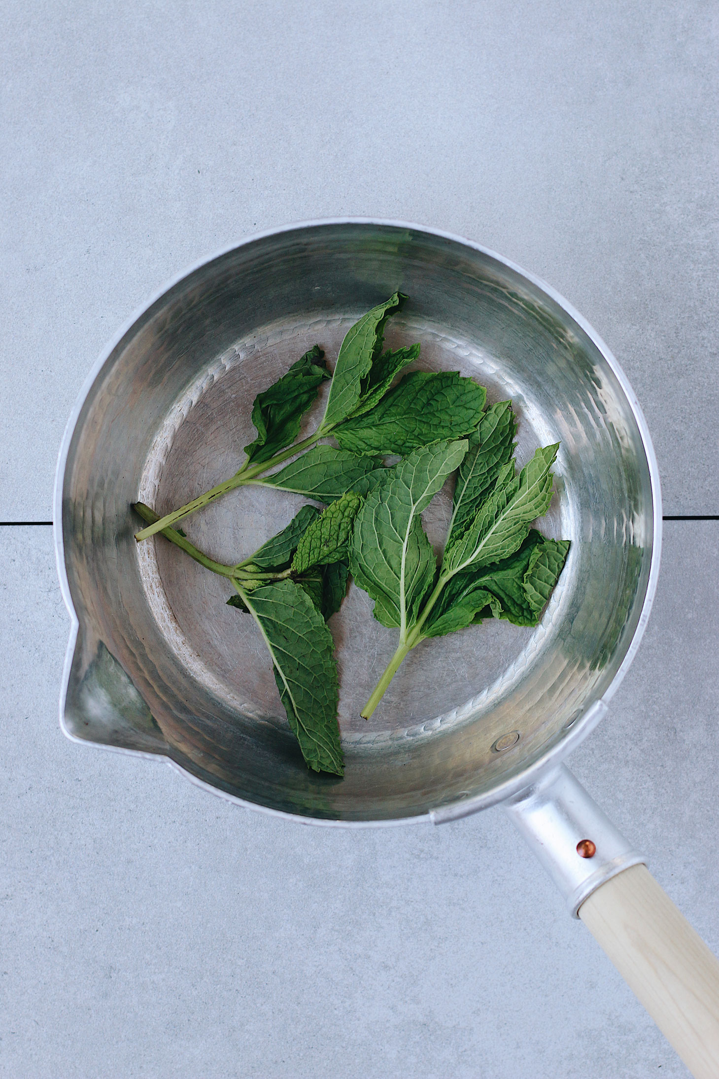 philz-mint-mojito-prep-boiling-mint-syrup