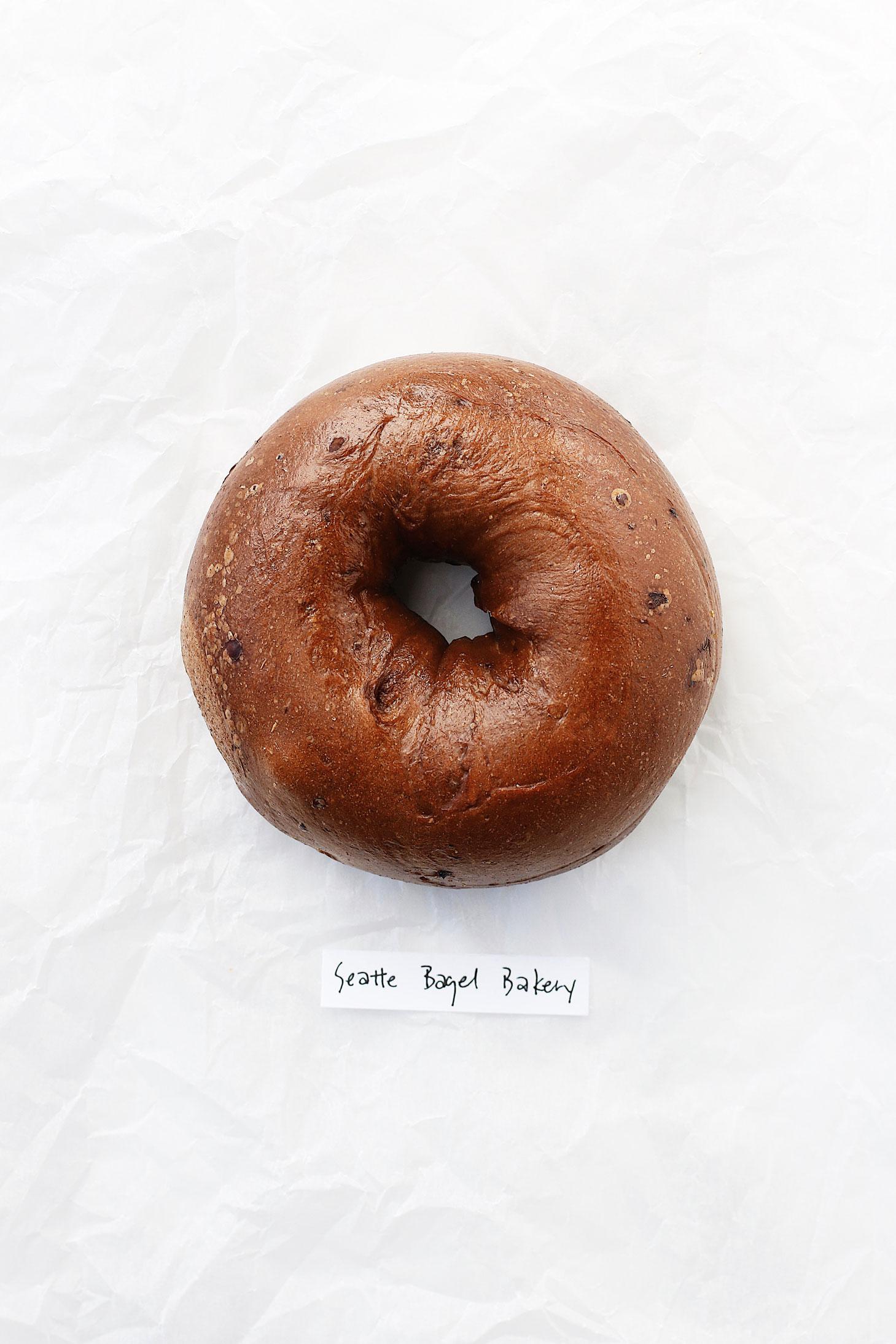 best-bagel-in-seattle-great-bagel-off-seattle-bagel-bakery-cinnamon-raisin