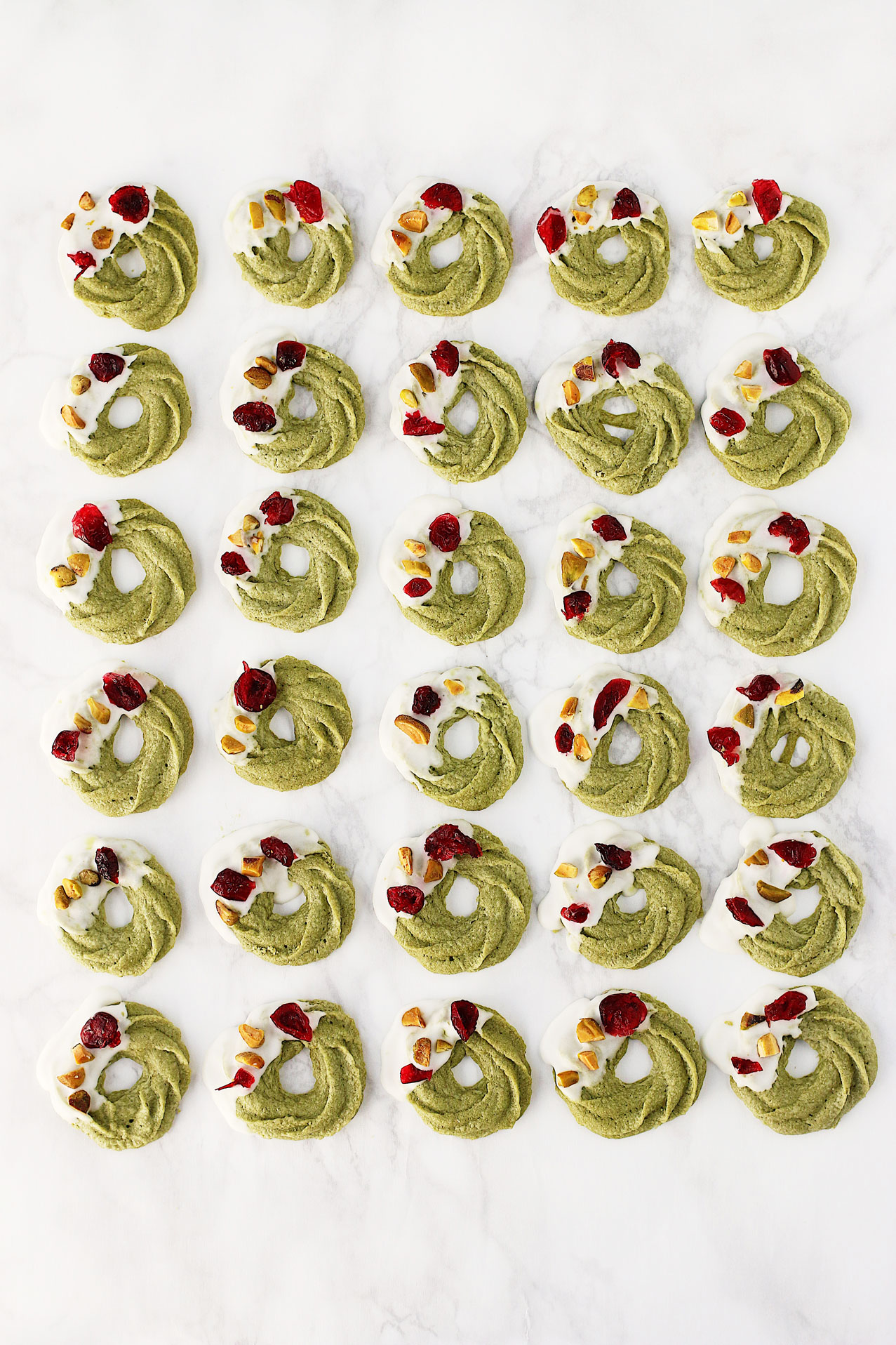 Herbakinglab-Matcha-Christmas-Wreath-Shortbread-line-up