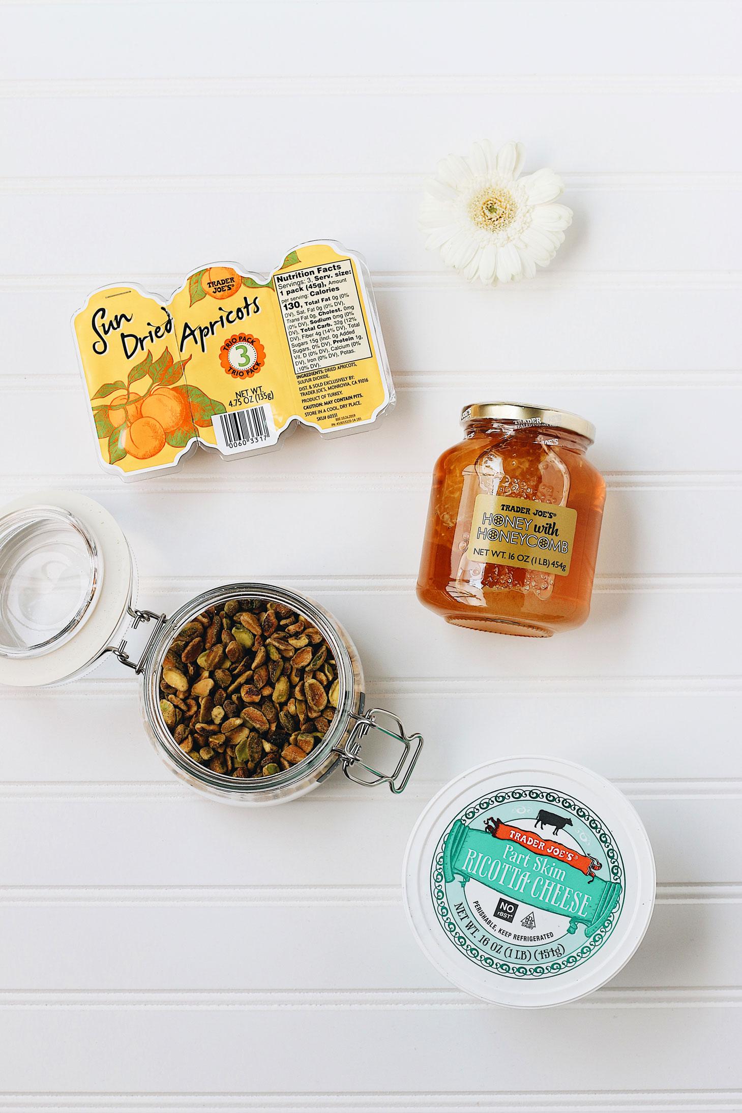 Herbakinglab-Honey-Ricotta-Dip-prep