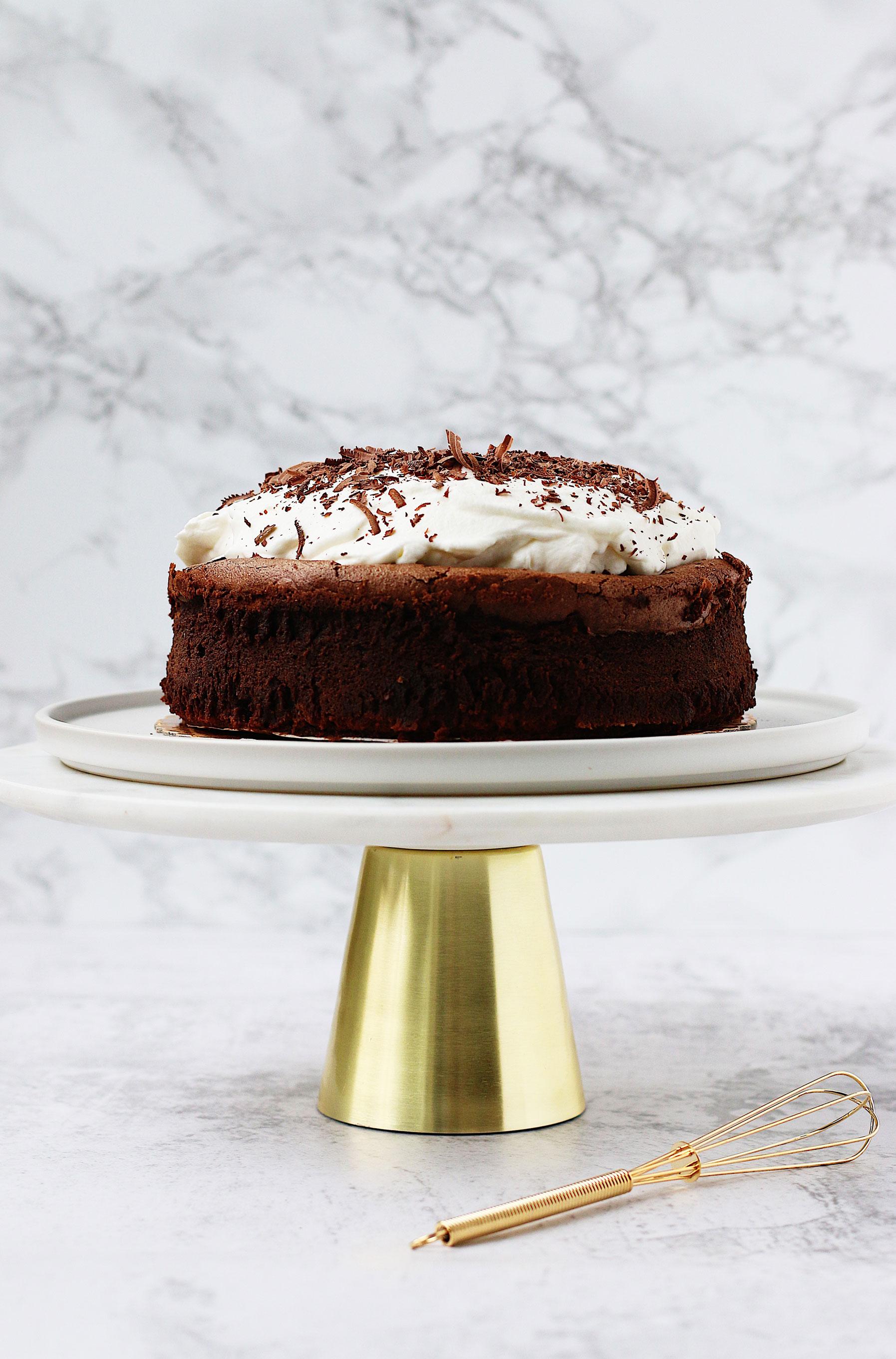 f52-genius-dessert-chocolate-cloud-cake