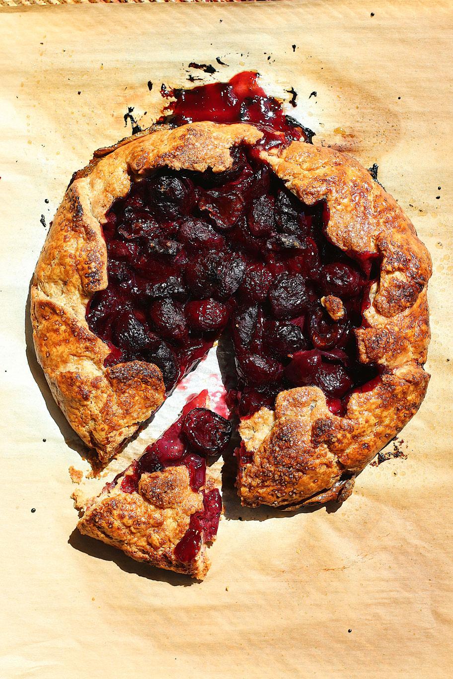 herbakinglab-summer-rye-galette-cherry
