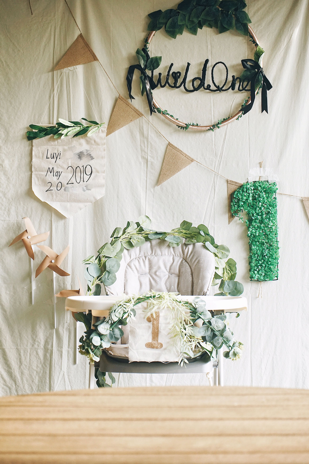 herbakinglab-little-croissant-first-birthday-DIY-cake-smash-photo-set-up