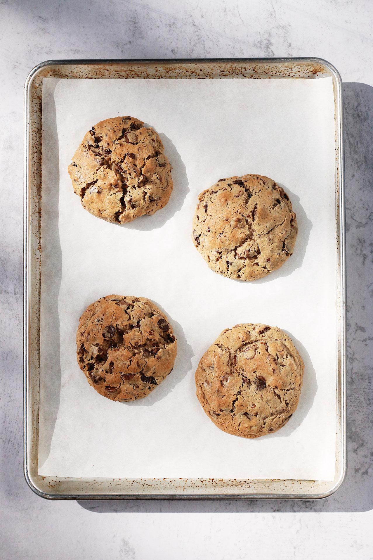 herbakinglab-best-chocolate-chip-cookie-bake-off-stella-park-levain-style-tray